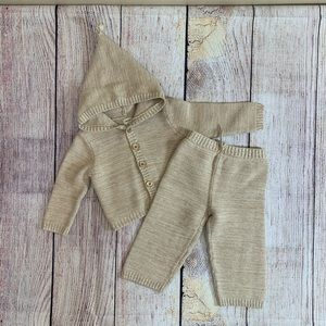Boys brown Old Navy sweater pants 12-18 months K15